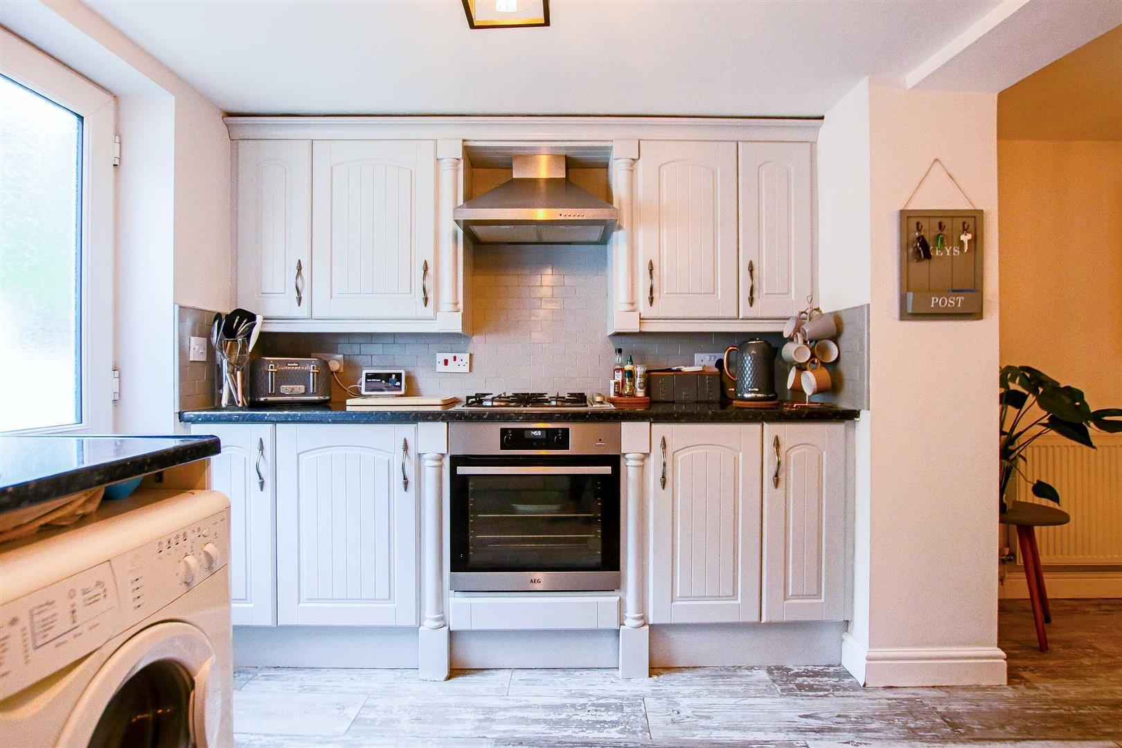 2 Bedroom Terraced Cottage For Sale - Image 26
